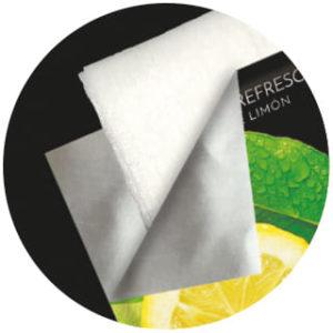 toallitas en esencia de limón húmedas
